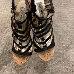 Steve Madden black and gold wedge sandals